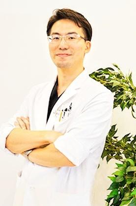 歯科医師/矯正医/酒井 敬一